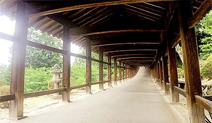 日本岡山吉備津神社木造迴廊