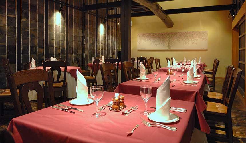 岡山飯店「倉敷 ROYAL ART HOTEL」的八間蔵餐廳