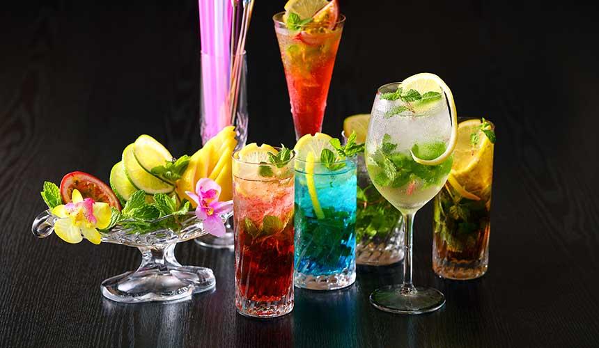 岡山飯店「倉敷 ROYAL ART HOTEL」的酒吧HEISA的酒類