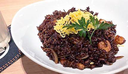 日本岡山黑色蝦仁炒飯蝦飯
