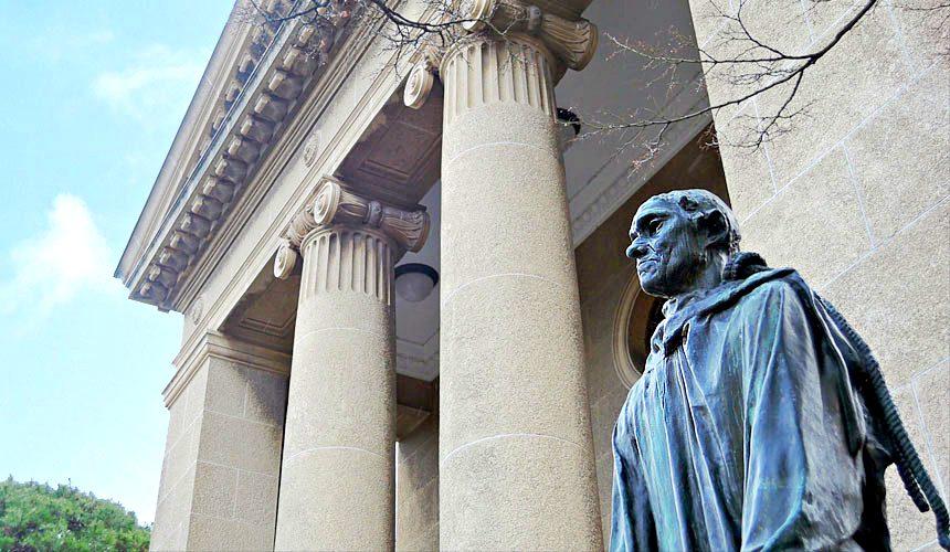 岡山倉敷旅遊推薦「大原美術館」門口的羅丹雕塑