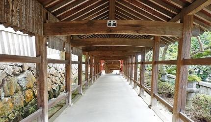 日本岡山桃太郎吉備津神社木造迴廊