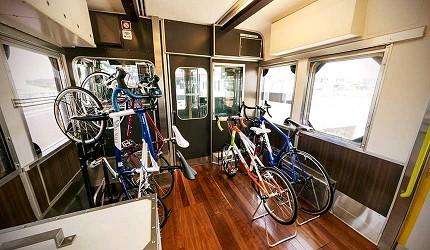 日本山陽山陰自由行:JR西日本宇野、尾道、琴平的藝術觀光列車「La Malle de Bois」列車內一景
