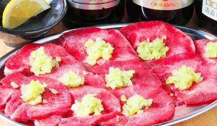 岡山車站步行可到!「炭火庵 犇き堂」高CP值燒肉店大啖和牛燒烤的青蔥鹽燒牛舌(バジルねぎ塩タン)