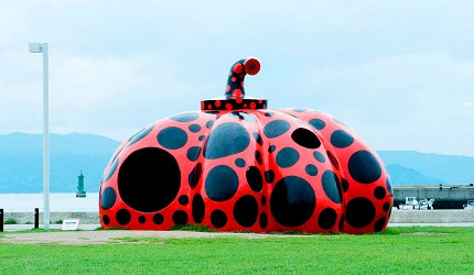 瀨戶內海第一排,離直島最近的溫泉飯店:岡山「瀨戶內鑽石濱海飯店」離直島很近,可以去直島看草間彌生的紅色南瓜