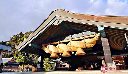日本島根「出雲市」知名景點「出雲大社」神樂殿的巨型注連繩