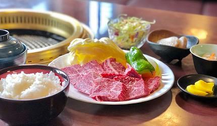 日本冈山钟乳石洞秘境去「新见」!店家「焼肉 千屋牛」必吃的「あしん定食」
