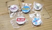 在「丹寧之父」石橋秀次在2016年創立的牛仔褲品牌「BLUE SAKURA」店內消費可獲的