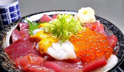 岛根鸟取自由行必吃美食推荐海鲜丼店家「山芳亭」的海鲜丼山芳丼
