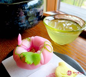 島根鳥取自由行必吃美食推薦和菓子店家「喫茶きはる」的和菓子與抹茶