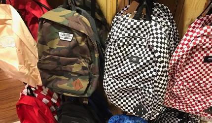 岡山購物必逛「三井 OUTLET PARK 倉敷」內的潮牌「HAWKINS&VANS」的包包