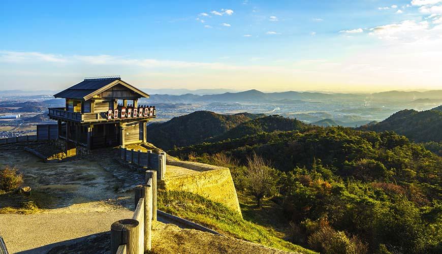 冈山人气景点吉备津神社、鬼之城夕阳:桃太郎传说必去遗产踩点行程看这篇!