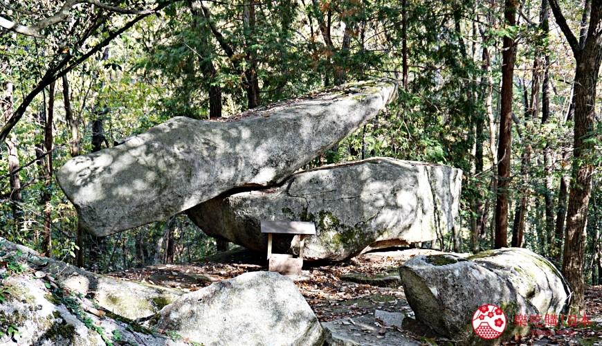 岡山自由行兩天一夜行程推薦!桃子之鄉「赤磐市」的「岩神神社」的不倒翁石頭