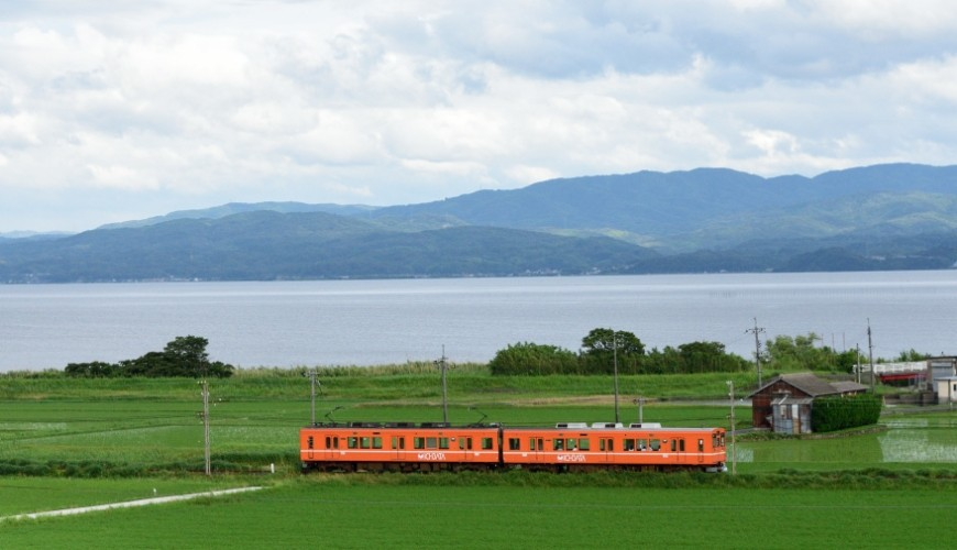 岛根铁道旅行1日游行程推荐推介可以去到出云大社、松江城、堀川热们景点的一畑电车与沿路风景