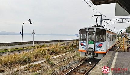 岛根铁道旅行1日游行程推荐推介可以去到出云大社、松江城、堀川热们景点的一畑电车沿路可以外望宍道湖
